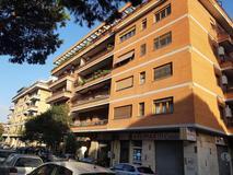 appartamento quadrilocale in vendita Roma in via Diego Simonetti EUR