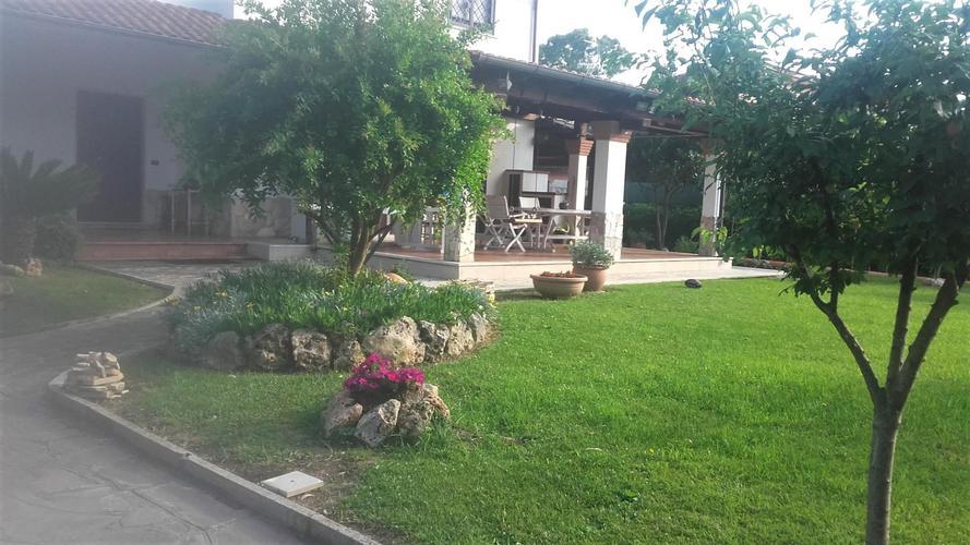 ville unifamiliari in vendita Roma in € 650.000 EUR